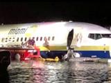 अमेरिकेतील फ्लोरिडा येथे १३६ प्रवासी असलेले विमान थेट नदीत कोसळले.