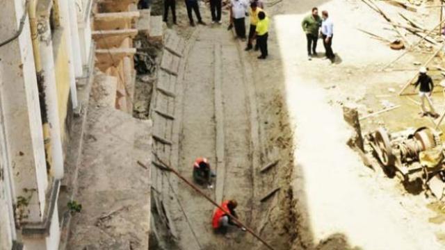२२० वर्षे जुन्या महालाखाली सापडली होडी