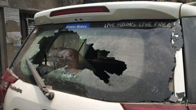 भाजप उमेदवार निलांजन रॉय यांच्या गाडीवर हल्ला करण्यात आला