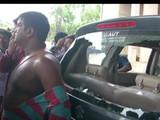 भाजप नेत्यांच्या गाड्यांची तोडफोड करण्यात आली आहे (ANI)