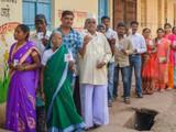 मतदानासाठी रांगेत उभारलेले नागरिक (संग्रहित छायाचित्र)