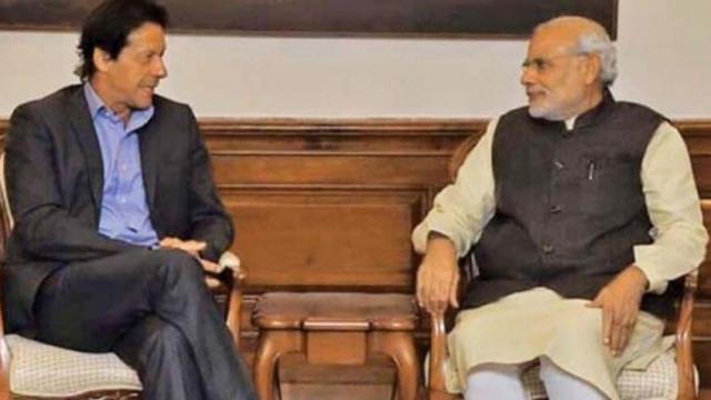 इमरान खान आणि नरेंद्र मोदी