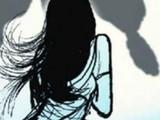 पतीच्या समोरच या नराधमांनी पीडितेवर सामुहिक बलात्कार