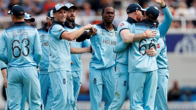यजमान इंग्लंडची विजयी सलामी