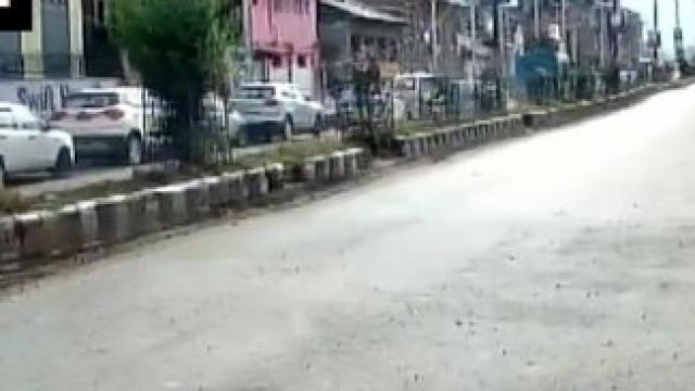 अनंतनाग येथील केपी रोड परिसरात दहशतवादी हल्ला