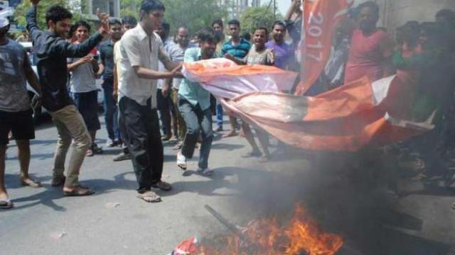 बंगालमध्ये पुन्हा हिंसाचार, टीएमसीच्या ३ कार्यकर्त्यांची हत्या
