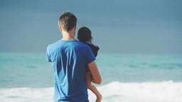 Father's Day 2019 : वडिलांनी मुलांसोबत जास्त वेळ व्यतीत करायला हवा कारण...