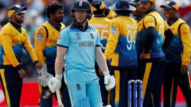 श्रीलंकेविरुद्धच्या पराभवाने इंग्लंड बॅकफूटवर