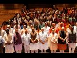 भाजप खासदारांबरोबर पंतप्रधान नरेंद्र मोदी (Photo @BJP4India)