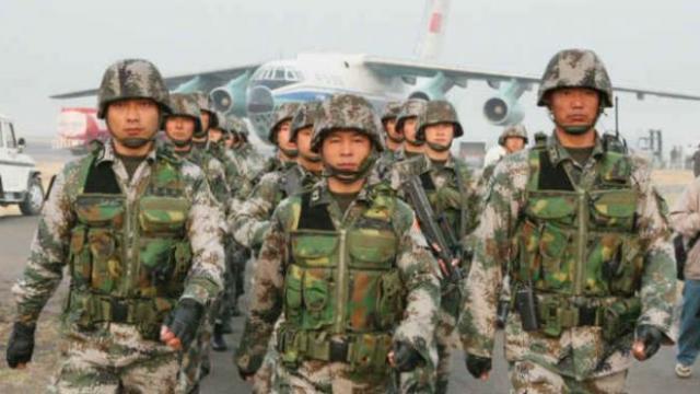 चिनी सैनिक