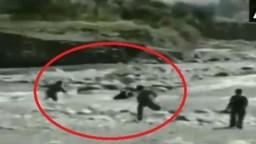 जम्मू काश्मीर Video: CRPF जवानांनी नदीत बुडणाऱ्या मुलीला वाचवले