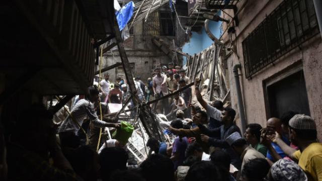 Dongri Building Collapses : १० जणांचा मृत्यू, ८ जखमी