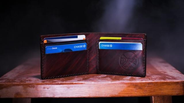 पैशांचं पाकीट