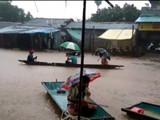 भामरागड इथे पार्लकोटा नदीच्या पुराचे पाणी घुसल्याने अनेक घरं आणि दुकानं पाण्याखाली आली आहेत.