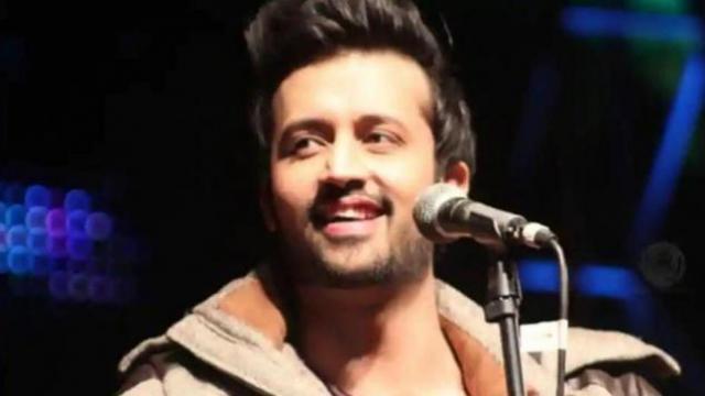 पाकिस्तानी गायक अतिफ असलम