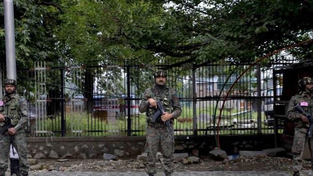 काश्मिरमधील सुरक्षा जवान