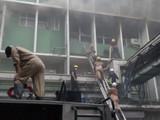 दिल्लीः 'एम्स'मध्ये मोठी आग, अग्निशामक दलाचे ३४ बंब घटनास्थळी (HTPHOTO.)