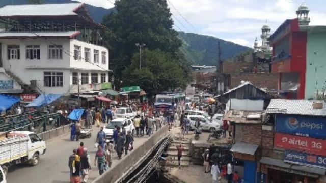 १४ दिवसांनंतर श्रीनगरमध्ये आजपासून सुरु होणार शाळा