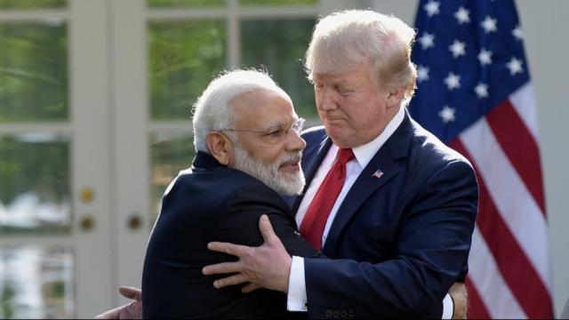पंतप्रधान नरेंद्र मोदी आणि अमेरिकेचे राष्ट्राध्यक्ष डोनाल्ड ट्रम्प (AP Photo)