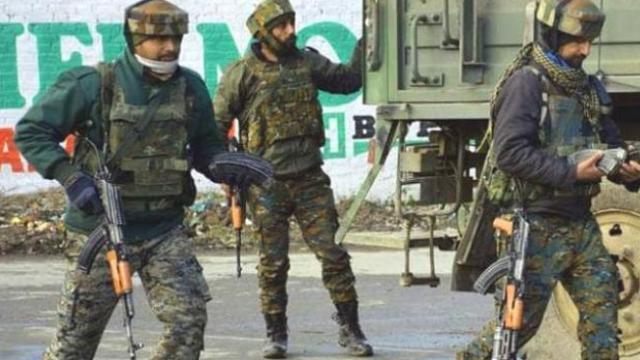 कलम ३७० हटवल्यानंतर पहिल्यांदाच चकमक;१ जवान शहीद, एका दहशतवाद्याचा खात्मा