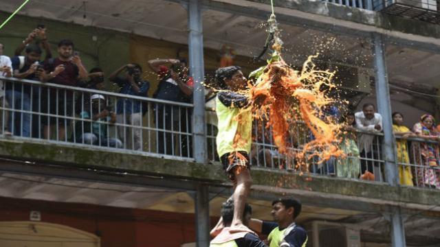 दादर दहिहंडी (फोटो सौजन्य: अन्शुमान पोयरेकर/हिंदुस्थान टाइम्स)