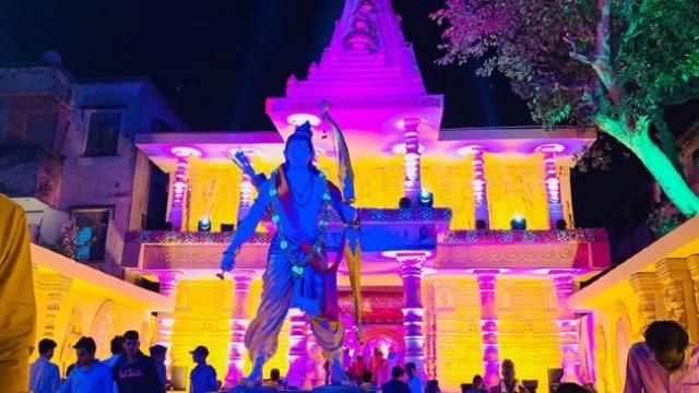 पुण्यातील साने गुरुजी तरूण मंडळाने साकारली राम मंदिराची प्रतिकृती. (फोटो - मंडळाकडून साभार)