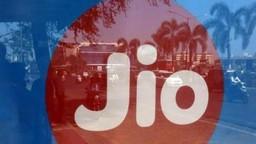 JIOच्या ग्राहकांना बसणार झटका, मोबाइल सेवा महागणार