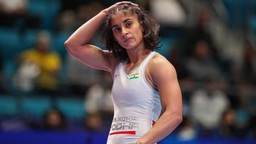 दमदार! विनेश फोगट ऑलिम्पिकसाठी पात्र ठरणारी पहिली भारतीय कुस्तीपटू