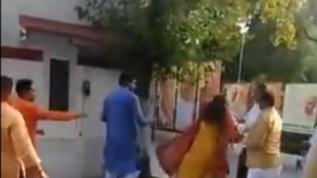 भाजप नेत्याने पत्नीला केली मारहाण