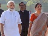 पंतप्रधान नरेंद्र मोदी आणि अर्थमंत्री निर्मला सीतारामन