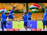 भारतीय संघ सराव करतानाचा क्षण