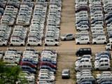 गाड्यांच्या विक्रीत घट