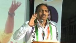 'महापुरात स्थानिक मदतीला धावले अन् सरकारने श्रेय लाटले'