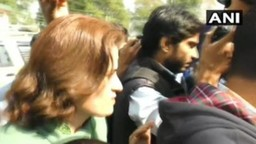कलम ३७० विरोधात आंदोलन; फारुख अब्दुल्लांच्या बहीण आणि मुलीला अटक