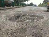 मध्य प्रदेशमधील अनेक रस्त्यांची दुरवस्था झाली आहे. (प्रातिनिधिक छायाचित्र)