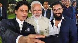 कलाकारांनी PM मोदींसोबत केली गांधी विचारांबाबत खास चर्चा