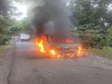 उमेदवाराची गाडी जाळली