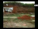 कर्नाटकात घर कोसळले