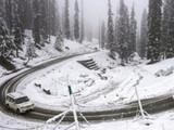 काश्मीरमध्ये बर्फाची चादर
