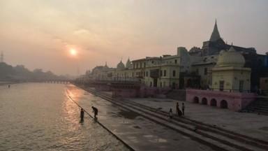 शरयू किनारी वसलेल्या अयोध्येमध्ये कडेकोट सुरक्षा तैनात करण्यात आली आहे. (फोटो - दीपक गुप्ता)