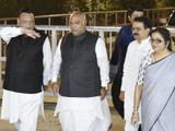 काँग्रेसच्या बैठकीनंतर मल्लिकार्जुन खर्गे आणि इतर नेते. (फोटो - विपिन कुमार)