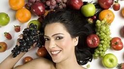 Health Tips: हिवाळ्यात चेहऱ्याची अशी घ्या काळजी!