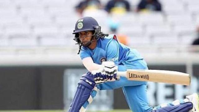 भारतीय महिलांची दमदार खेळी