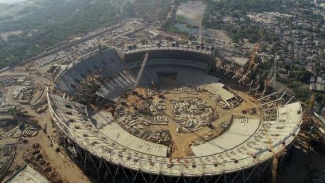 अहमदाबादमधील स्टेडियमचे काम अंतिम टप्प्यात आहे.