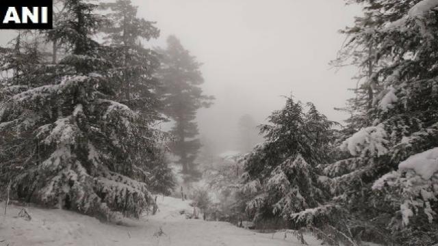 हिमाचल प्रदेशमध्ये बर्फवृष्टी