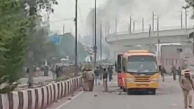 दिल्लीत पुन्हा तणावाचे वातावरण