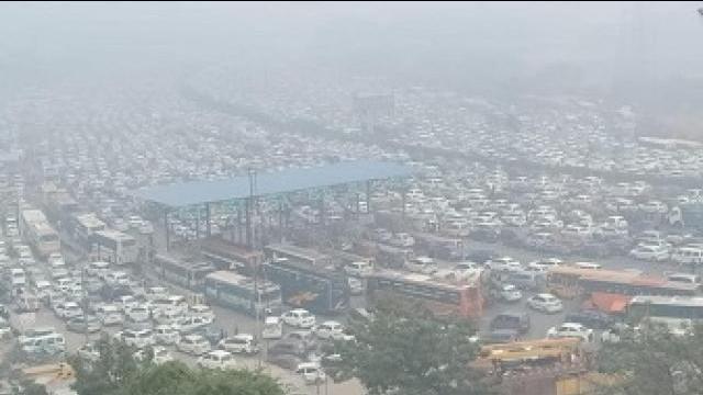 दिल्लीत वाहतूककोंडी
