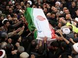 जनरल सुलेमानी यांच्या अंत्ययात्रेला मोठी गर्दी झाली होती. (REUTERS)
