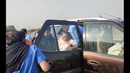 जावेद अख्तर- शबाना आझमीच्या गाडीला मुंबई- एक्स्प्रेसवेवर अपघात
