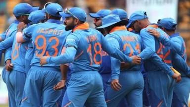 बीसीसीआय निवड समितीच्या रिक्त होणाऱ्या दोन जागेसाठी तीन माजी क्रिकेटर्संनी अर्ज केले आहेत.